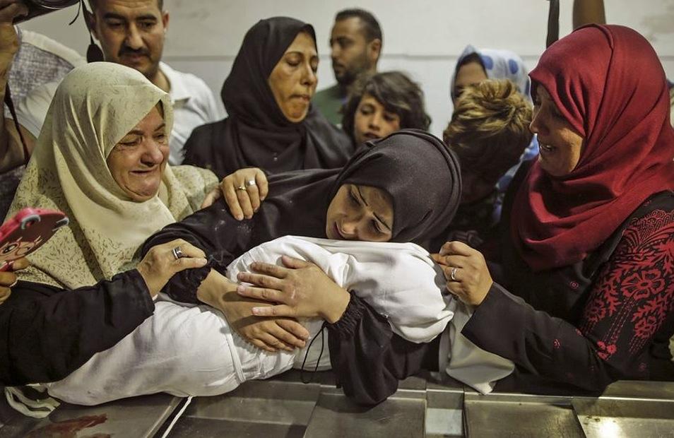 Laila Anwar Ghandours Mutter nimmt Abschied