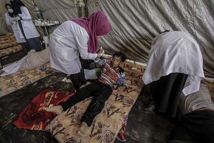 tent hospital scene 02