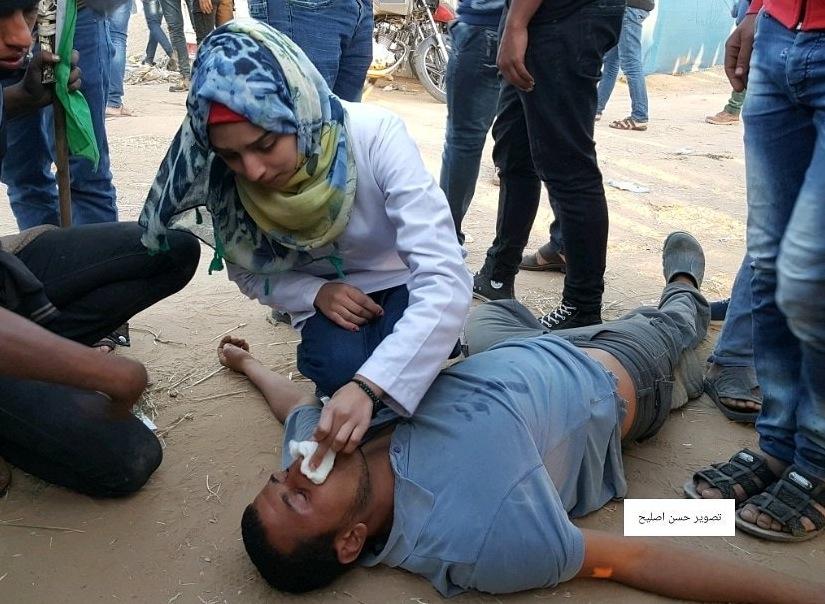 Razan helps 02