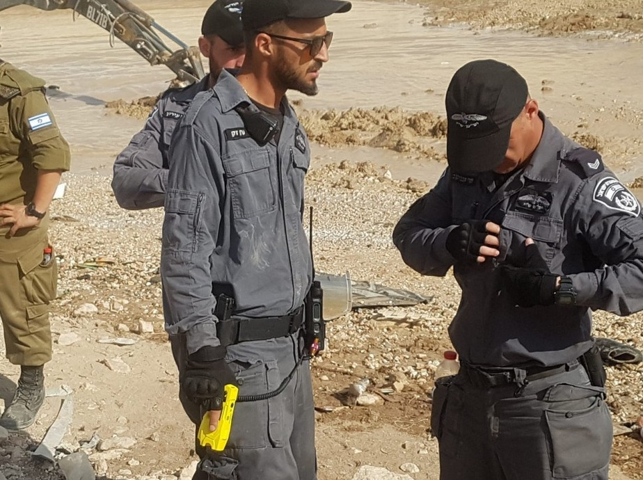 IOF taser use at Khan al-Ahmar